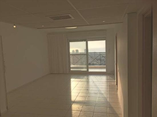 דירה למכירה 4 חדרים בטירת כרמל מעלה נוף