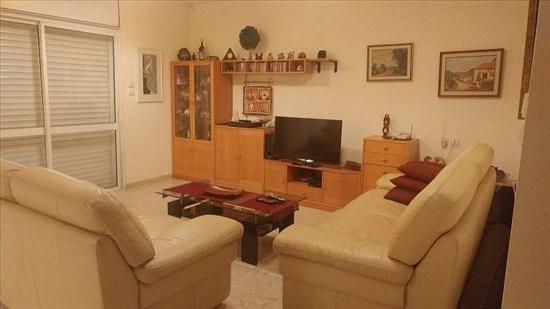 קוטג למכירה 6.5 חדרים בראשון לציון פוחצ'בסקי