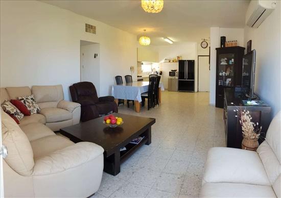 דירה למכירה 5 חדרים בנתניה הרב הרצוג צפון