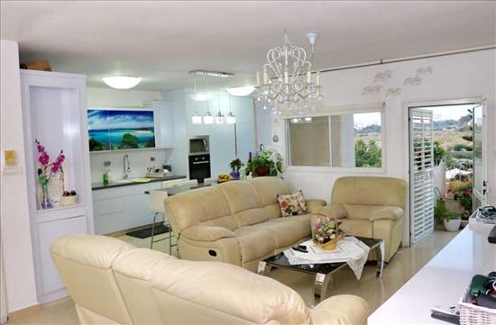 דירה למכירה 4 חדרים בראשון לציון חיל החימוש 20 נווה חוף-פואבלו