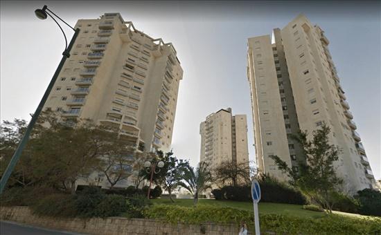 דירה למכירה 5.5 חדרים בגבעתיים המאבק תל גנים