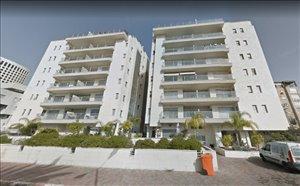 דירת גן למכירה 4 חדרים בגבעתיים דרך יצחק רבין
