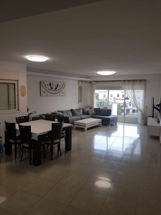 דירה למכירה 4 חדרים בראשון לציון חיל החימוש נווה חוף-פואבלו