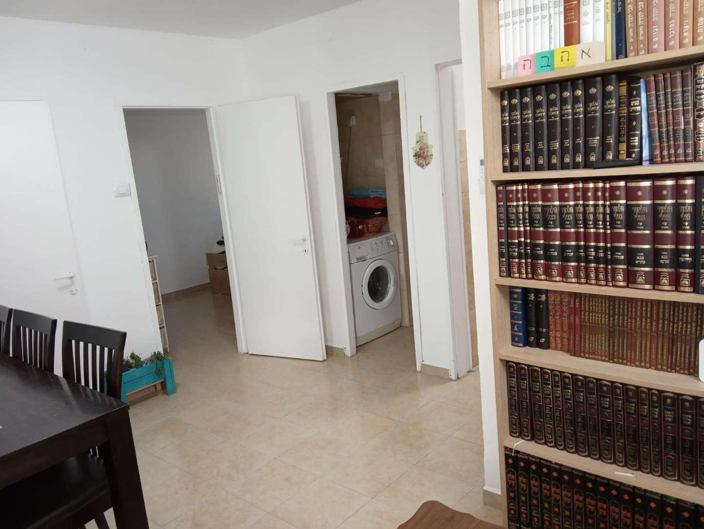 דירה, 2.5 חדרים, שדרות יגאל אלון...