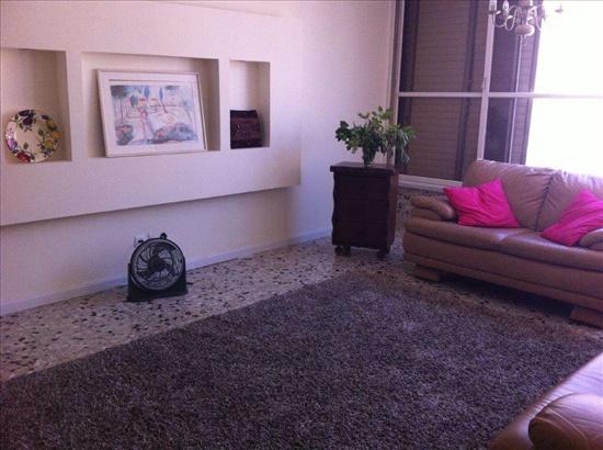 דירה למכירה 4 חדרים ברעננה בורוכוב קרית אליהו גולומב