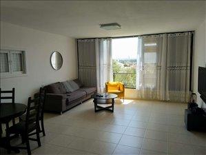 דירה למכירה 3 חדרים בפתח תקווה הגר''א