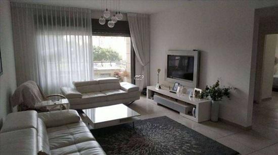 דירה למכירה 4 חדרים ברחובות אהרון אייזנברג צפון