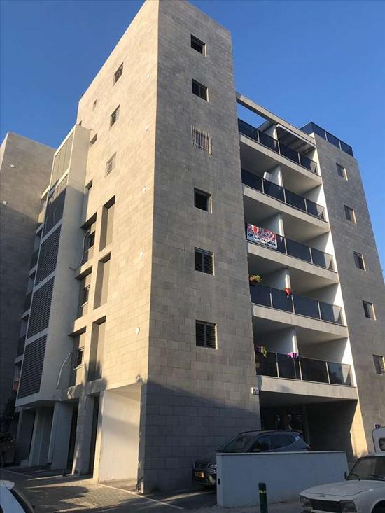 דירת גג למכירה 4 חדרים בפתח תקווה יוסף פפר