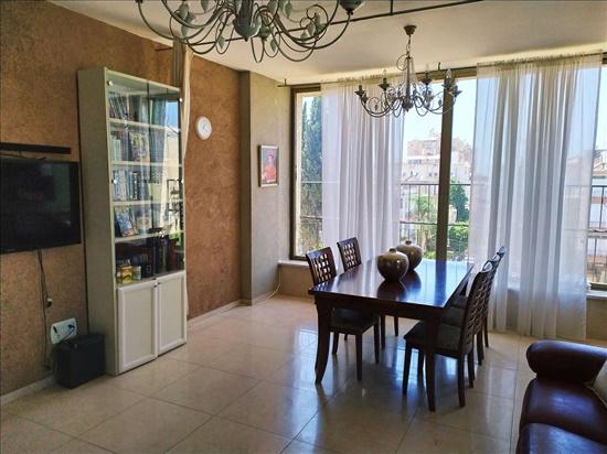 דירה למכירה 4 חדרים בחולון יהושע חנקין אגרובנק