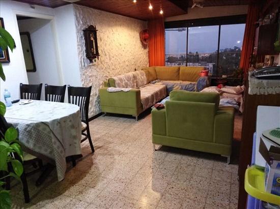 דירה למכירה 4 חדרים בחיפה יהודה בורלא