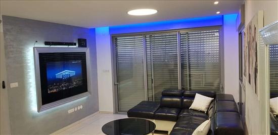 דירה למכירה 4 חדרים בחולון יעקב פיכמן ח 500