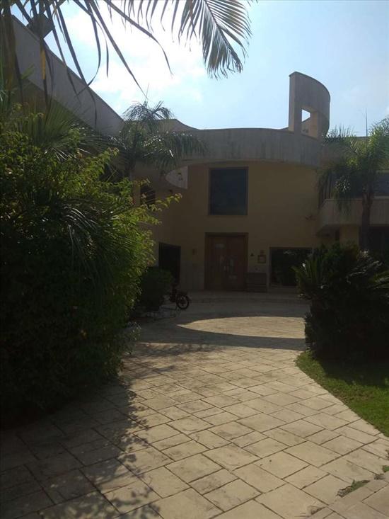 וילה למכירה 6 חדרים בקיסריה ענבר שכונה תשע