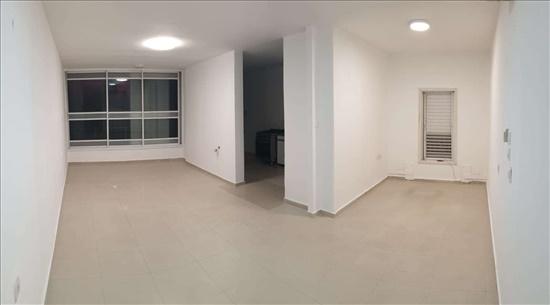 דירה למכירה 4 חדרים ברחובות שדרות גלוסקין נווה אלון