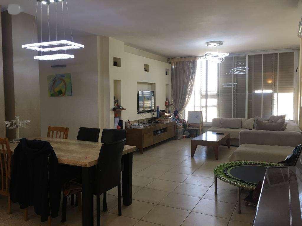 דירה, 3 חדרים, אליהו קראוזה, חולון