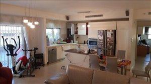 דירה, 5 חדרים, ורדיה 22, חיפה