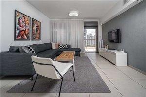 דירה למכירה 4 חדרים בהוד השרון גולדה מאיר