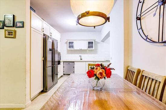 דירת גן למכירה 4 חדרים ברמלה האתרוג