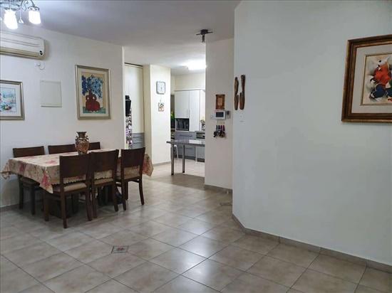 דירה למכירה 5 חדרים ברחובות רמב''ם שעריים