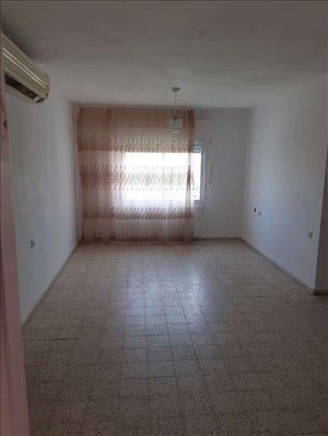 דירה למכירה 4 חדרים בקרית ארבע 503\33