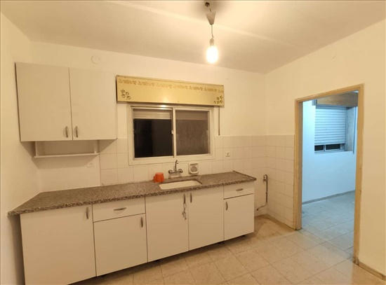 דירה למכירה 4 חדרים במעלות תרשיחא לוטוס מערבית