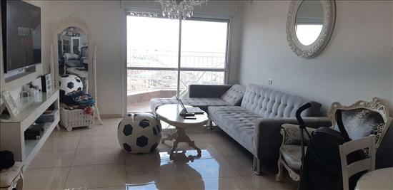 דירה למכירה 4 חדרים בחיפה יעקב חזן נווה שאנן