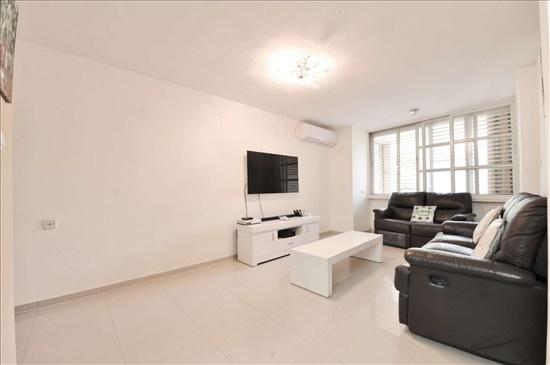 דירה למכירה 5 חדרים בחולון הציונות שיכון ותיקים