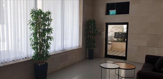 דירה למכירה 4 חדרים בחדרה הרברט סמואל מרכז העיר