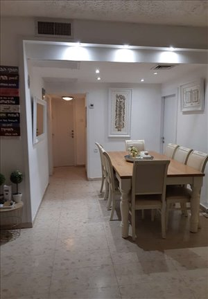 דירה למכירה 4 חדרים בנתניה אליהו הגלעדי