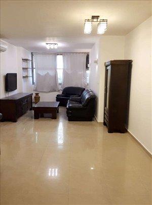 דירה למכירה 4 חדרים ברחובות א.ד. גורדון