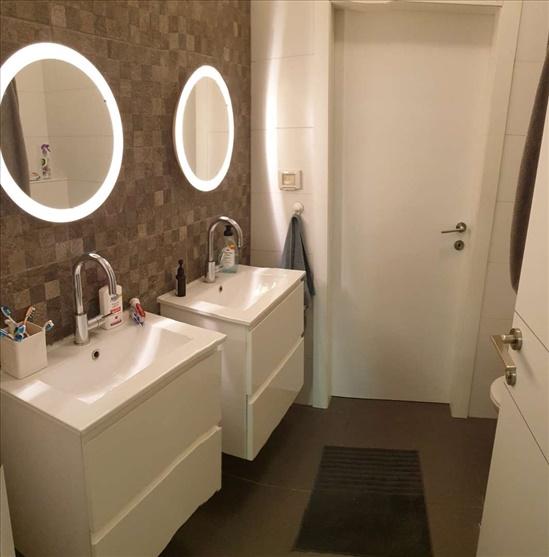 דירה למכירה 5 חדרים בקרית מוצקין עוזי חיטמן משכנות האומנים
