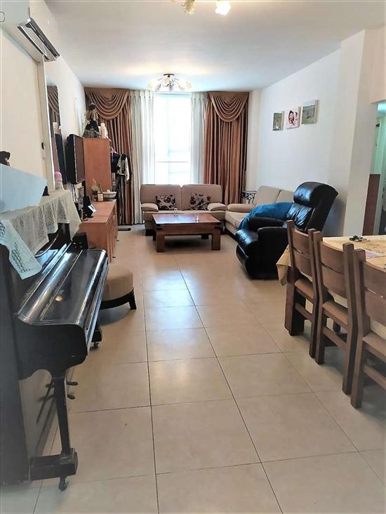 דירה למכירה 4 חדרים בבת ים בר יהודה חוף הים