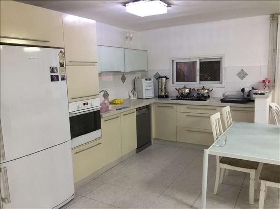 דירה למכירה 4.5 חדרים בקרית מלאכי שדרות בגין מנחם צהל