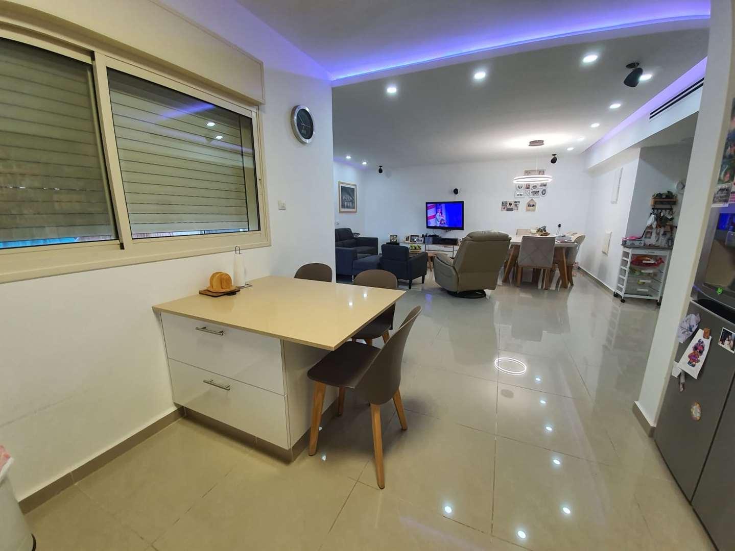 דירה, 5 חדרים, חודשי השנה, אילת