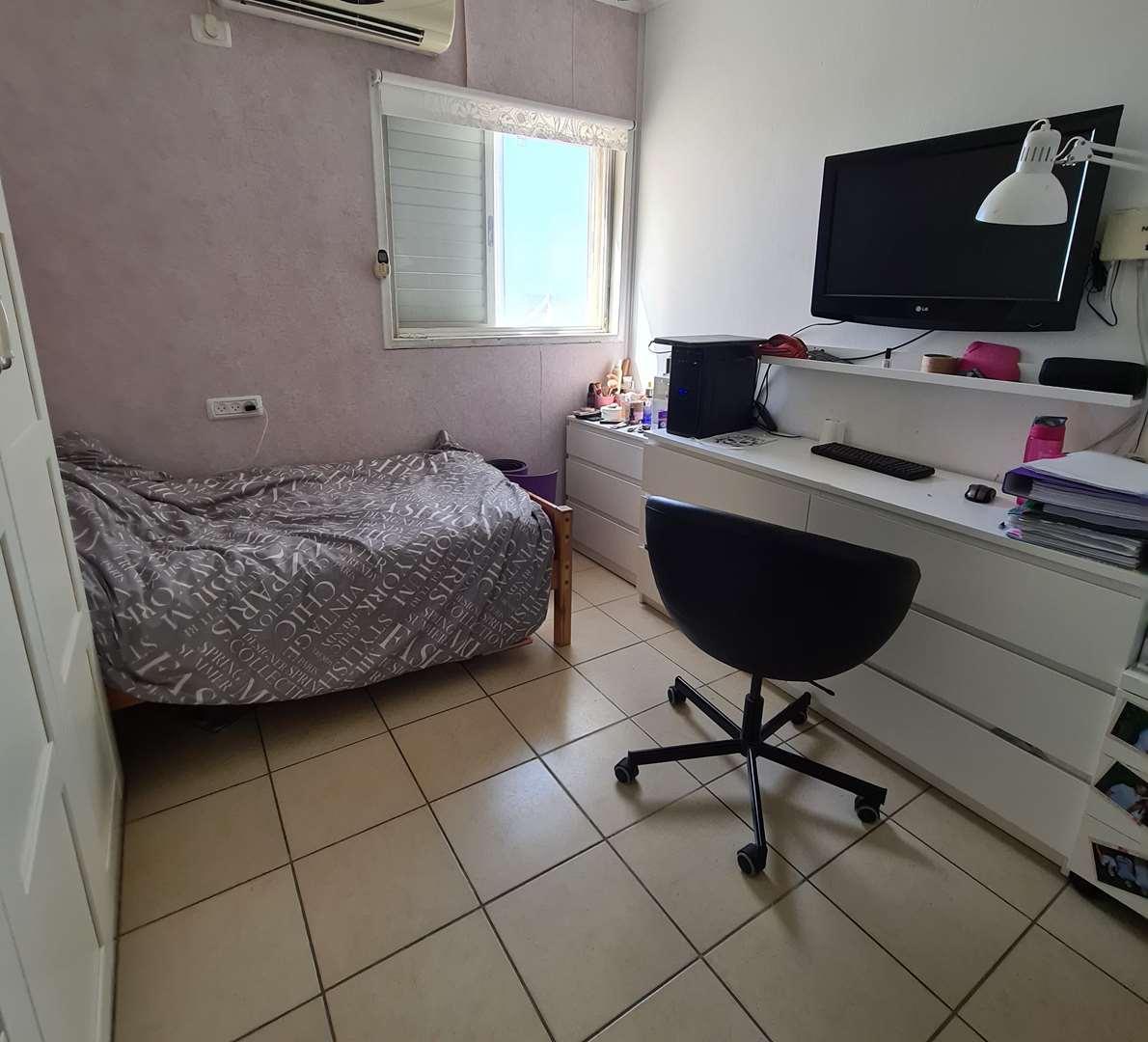 דירה למכירה 3 חדרים בחדרה משה דיין