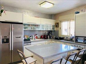 מיני פנטהאוז למכירה 4.5 חדרים בפתח תקווה מיכל לייב כץ