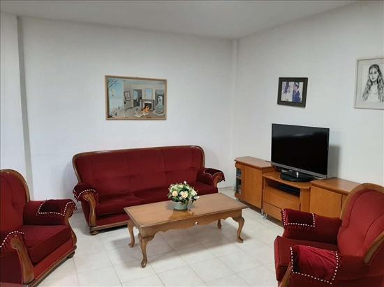 דירה למכירה 3.5 חדרים ברחובות הרצל שעריים