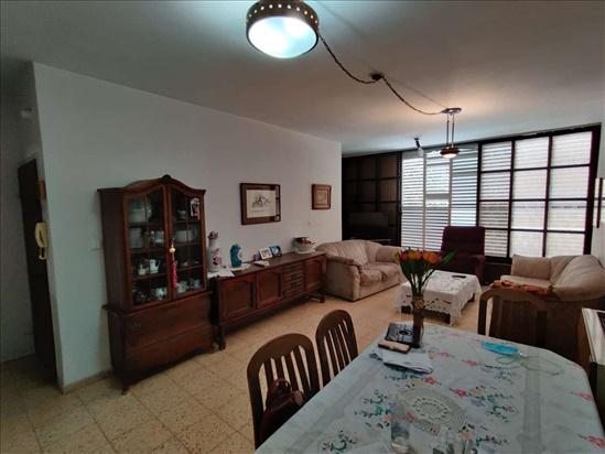 דירה למכירה 4 חדרים בהרצליה קלישר מרכז העיר