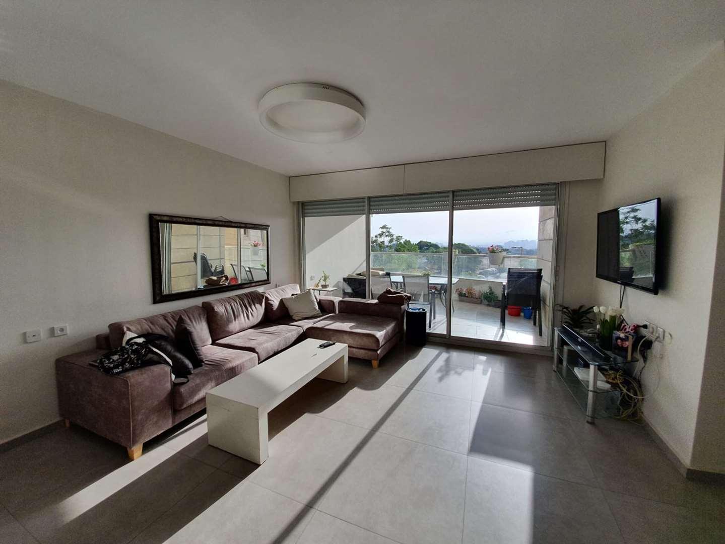 דירה למכירה 4 חדרים בגני תקווה הכרמל גבעת סביון החדשה