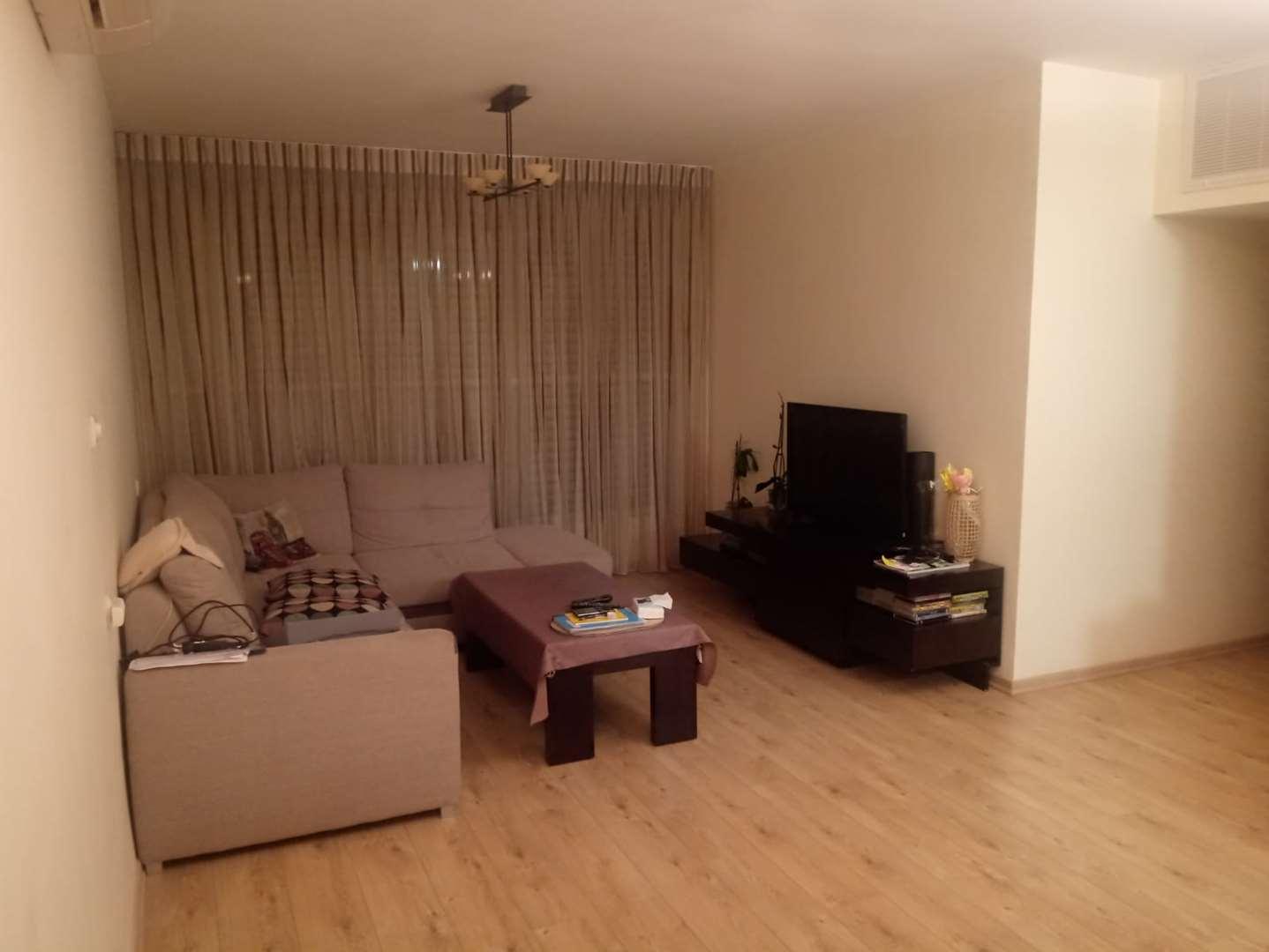 דירה למכירה 4 חדרים בחולון ברקן
