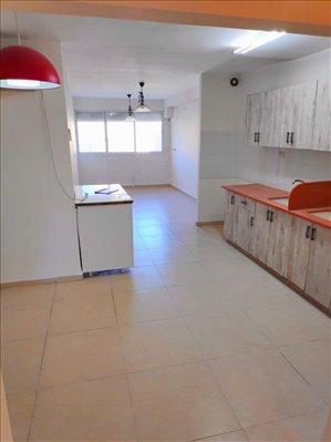 דירת גג למכירה 8 חדרים בקריית שמואל ארץ הצבי