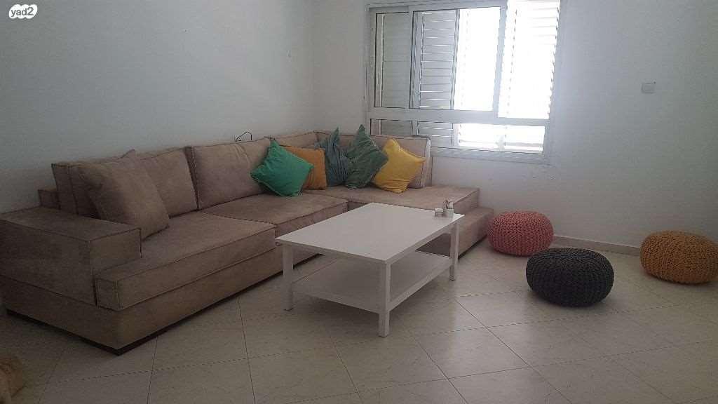 דירה למכירה 3 חדרים בחולון אלופי צה''ל