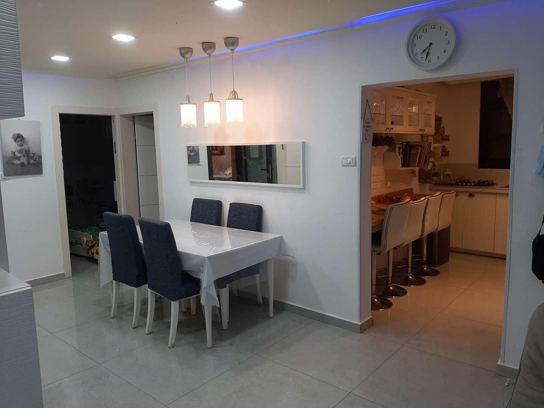 דירה למכירה 3 חדרים בגבעת זאב התאנה מרכז