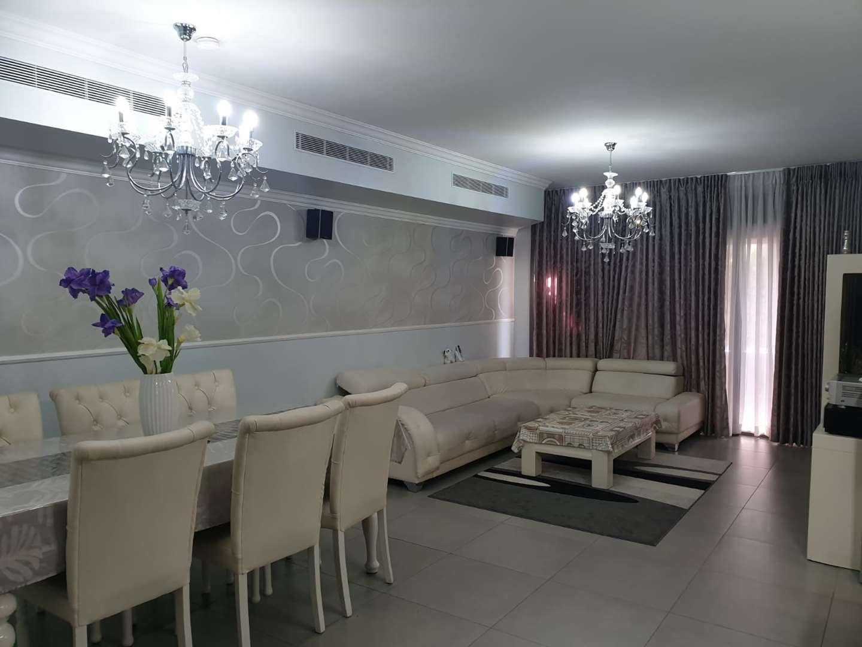 קוטג למכירה 7 חדרים באריאל נוה שאנן