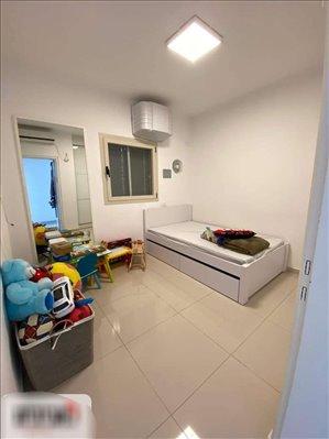 דירה למכירה 4 חדרים בשדרות יונתן פולארד