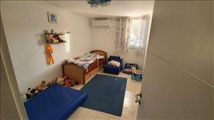 דירה למכירה 4 חדרים בקרית גת שדרת הגולן