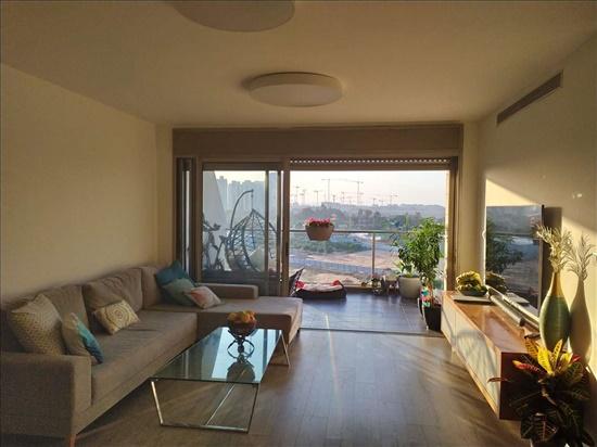 דירה למכירה 5 חדרים בבאר יעקב אפרים קישון חתני פרס ישראל