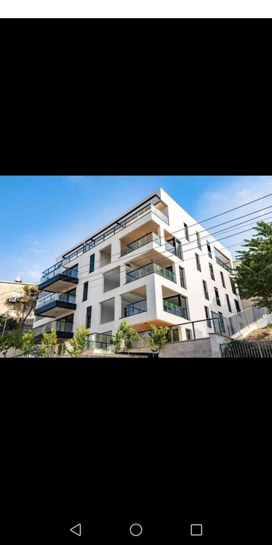דירת גן למכירה 4 חדרים בחיפה הס