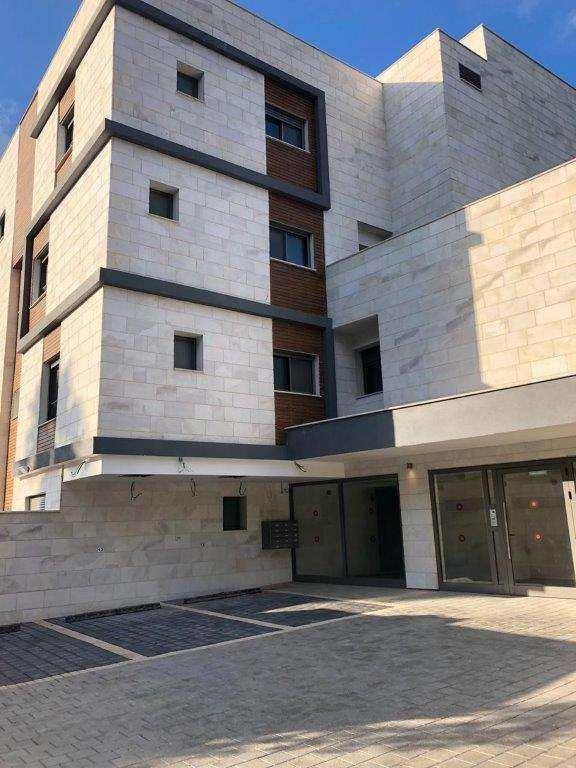 דירה למכירה 5 חדרים בחיפה שושנת הכרמל