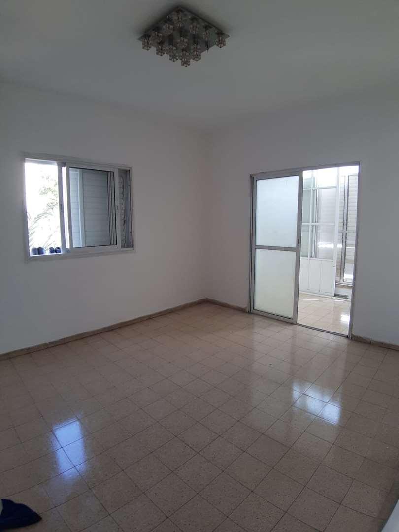 דירה למכירה 2.5 חדרים בבת ים יאנוש קורצ'אק