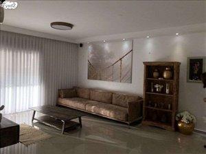 דירה למכירה 5 חדרים בחולון נעמי שמר